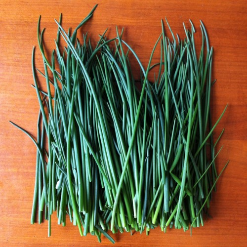 chives on table